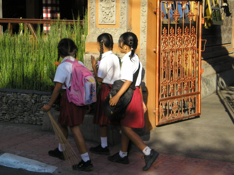 Elèves à la sortie des classes Sanur Bali