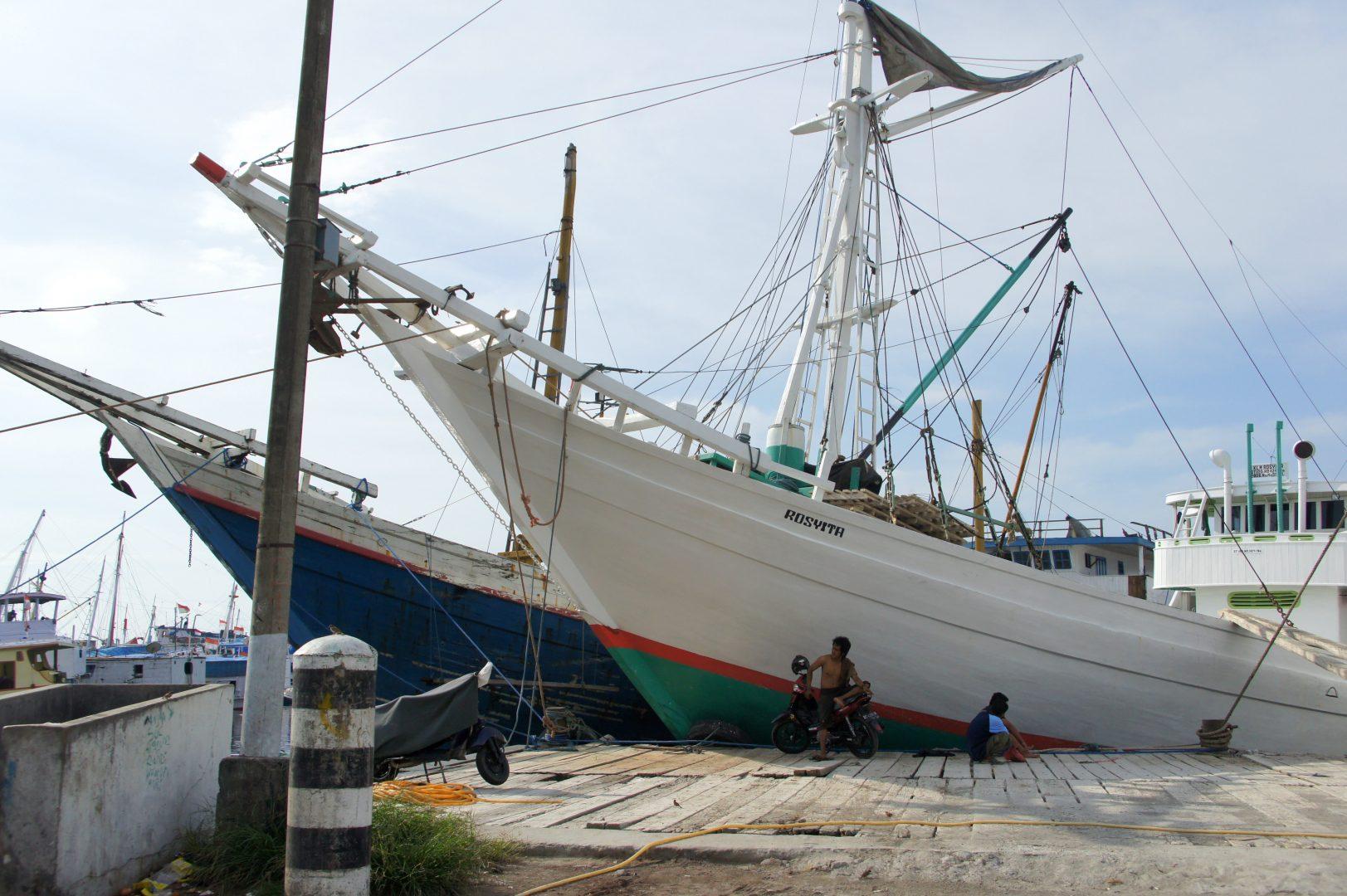 Phinisi de Sulawesi port Makassar