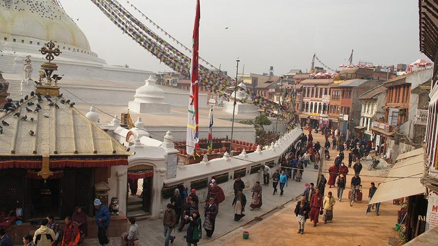 Circumambulation autour stupa Bodnath Kathmandou Népal