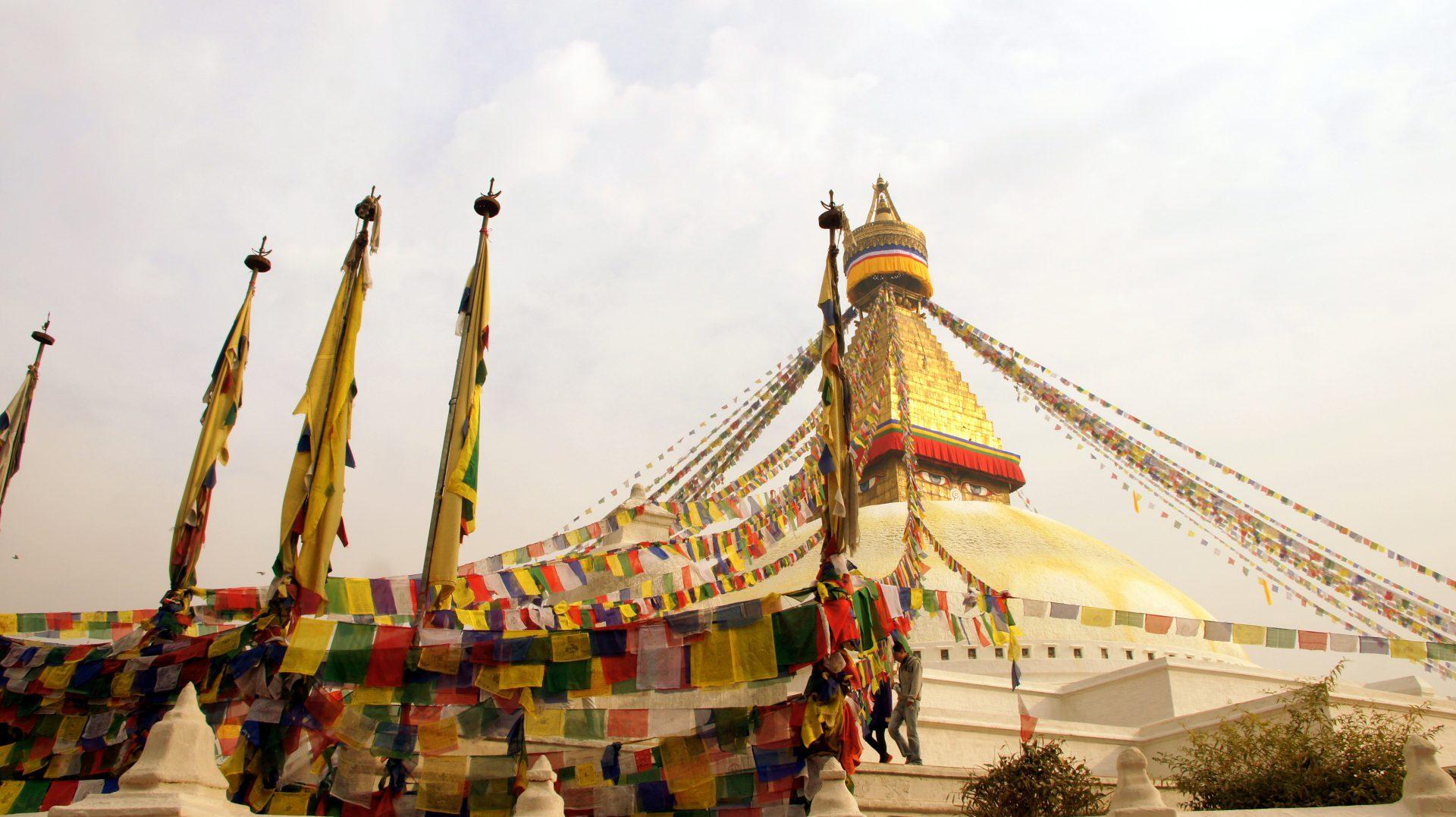 Drapeaux prière stupa Bodnath Kathmandou Nepal
