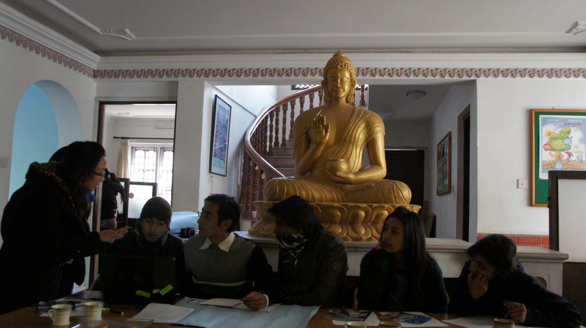 Sous le regard de Bouddha WCN Kathmandou Népal
