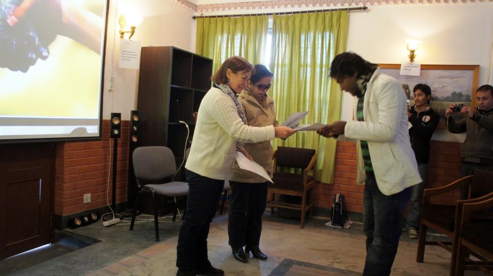 Remise diplome stagiaire WCN Kathmandou Nepal