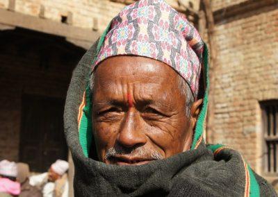 Homme Népalais avec chapeau traditionnel Népal
