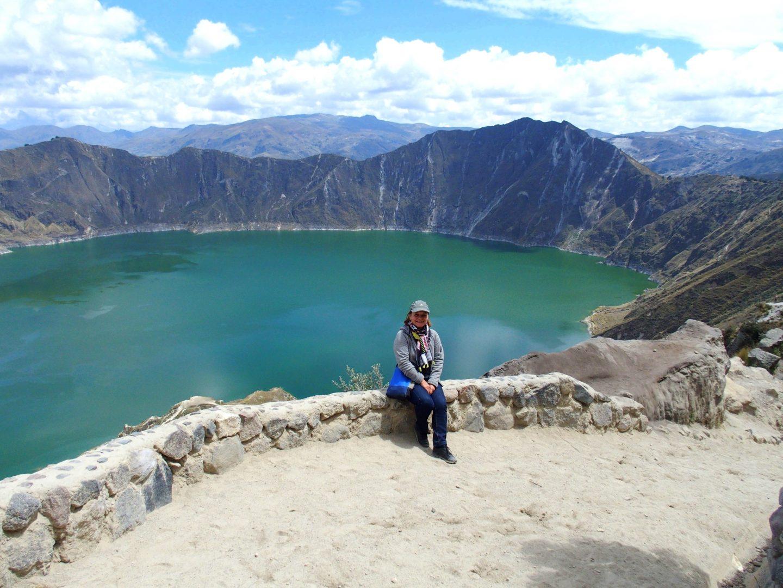 Devant lagune de Quilotoa Equateur
