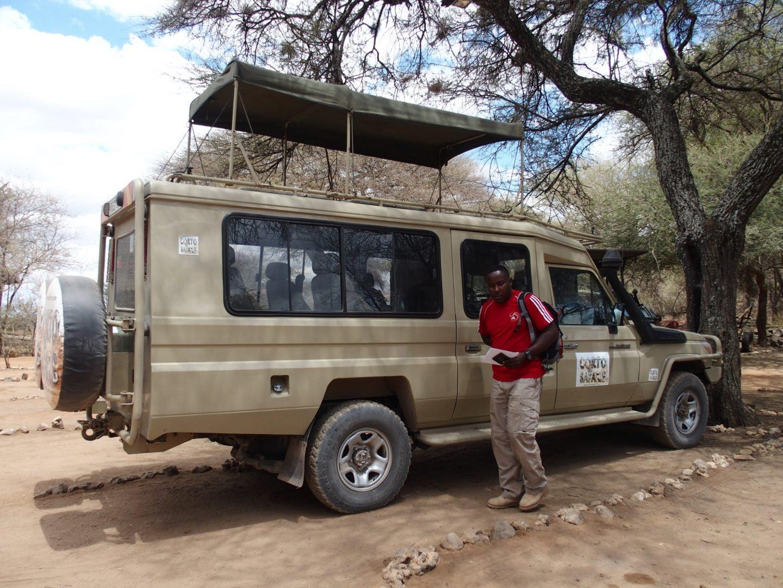 Alli mon guide et 4x4 pour visiter les parcs région d'Arusha Tanzanie