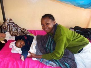 Femmes et enfants au centre FARAJA avec Slow Food