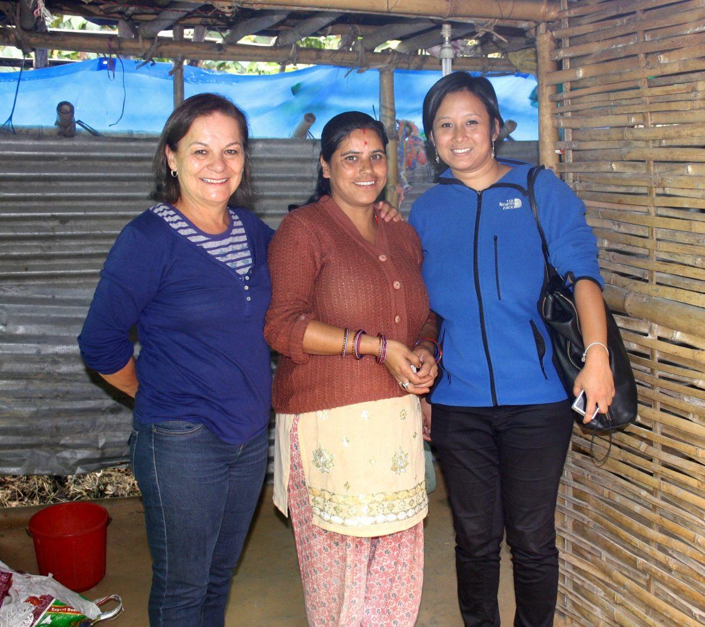 Avec Karishma et notre cuisinière du jour Kalimpong Inde
