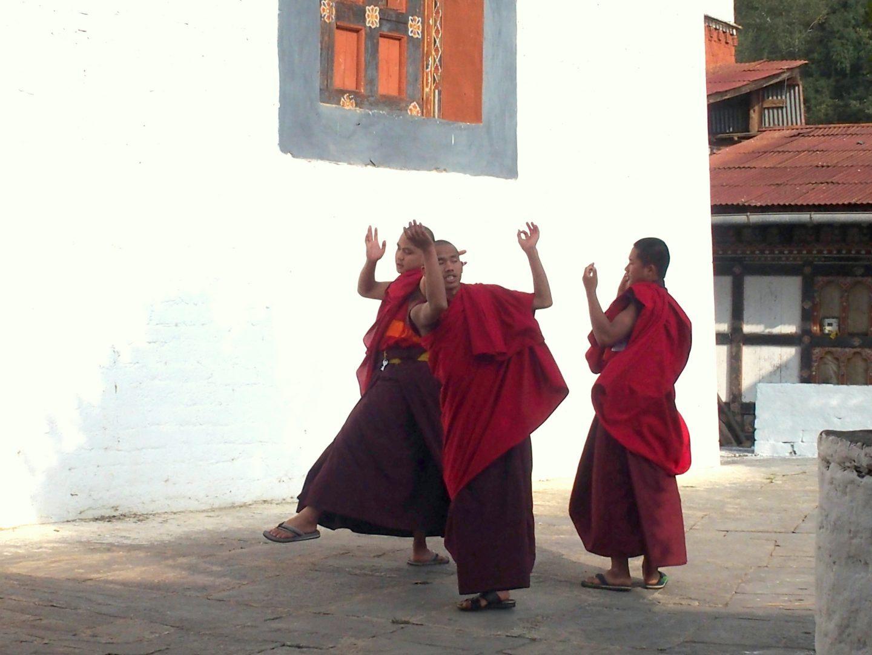 Danse moines dzong Trongsa Bhoutan
