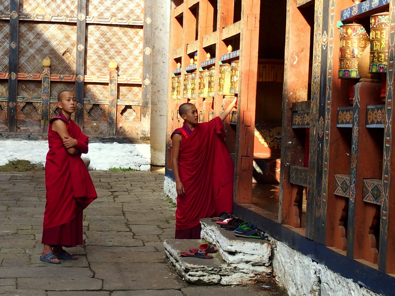 Jeunes moines Dzong Trongsa Bhoutan