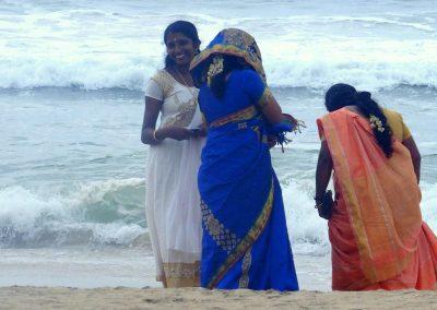 Belles indiennes sur la plage Varkala Inde