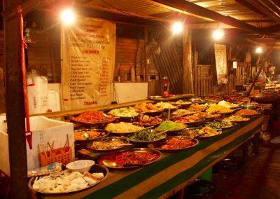 Etal de marché au Loas