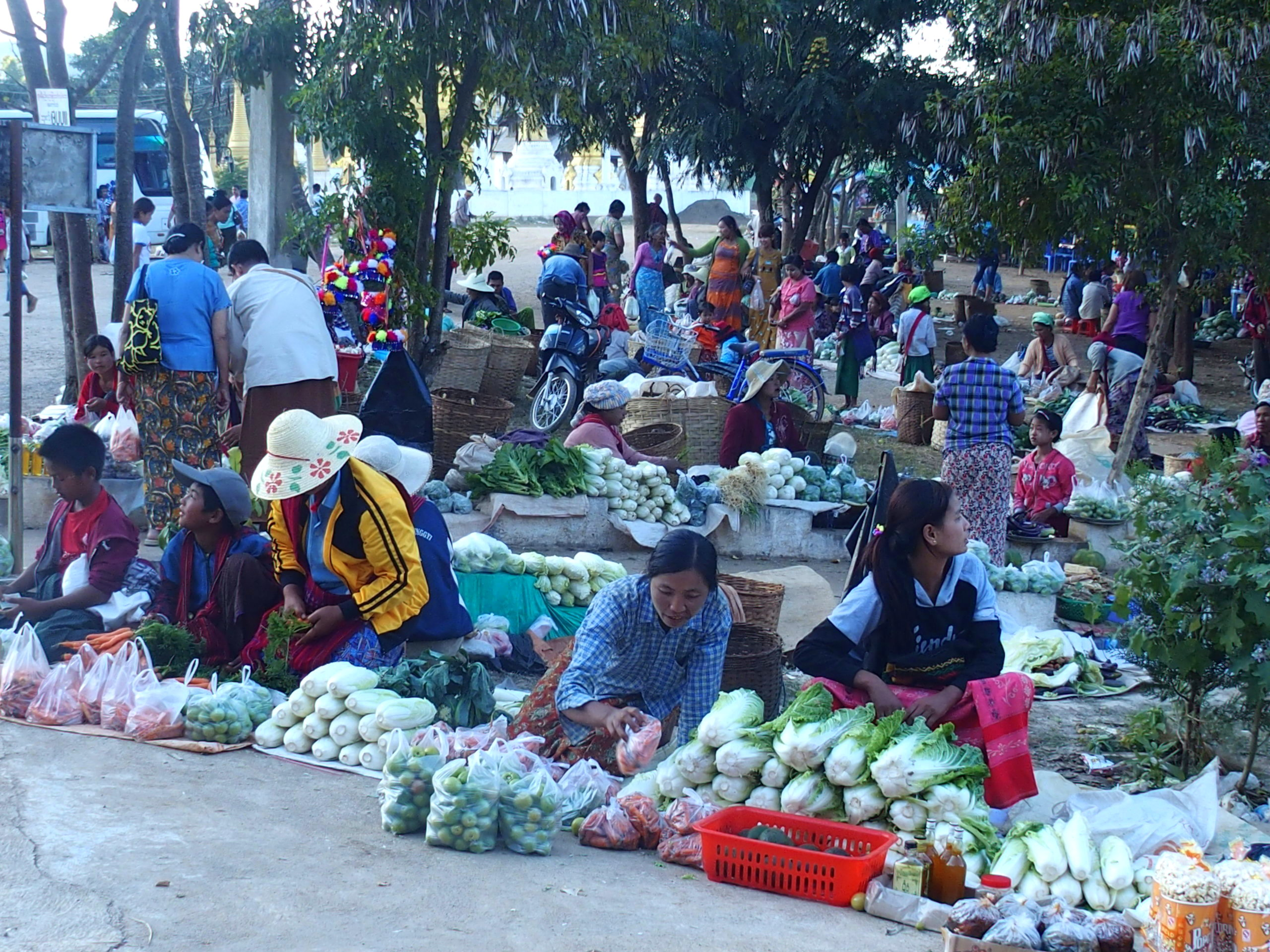 Marché très étendu de Bago Myanmar