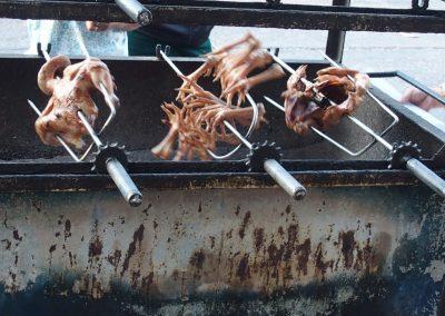 Pâtes de poulet roties marché Laos