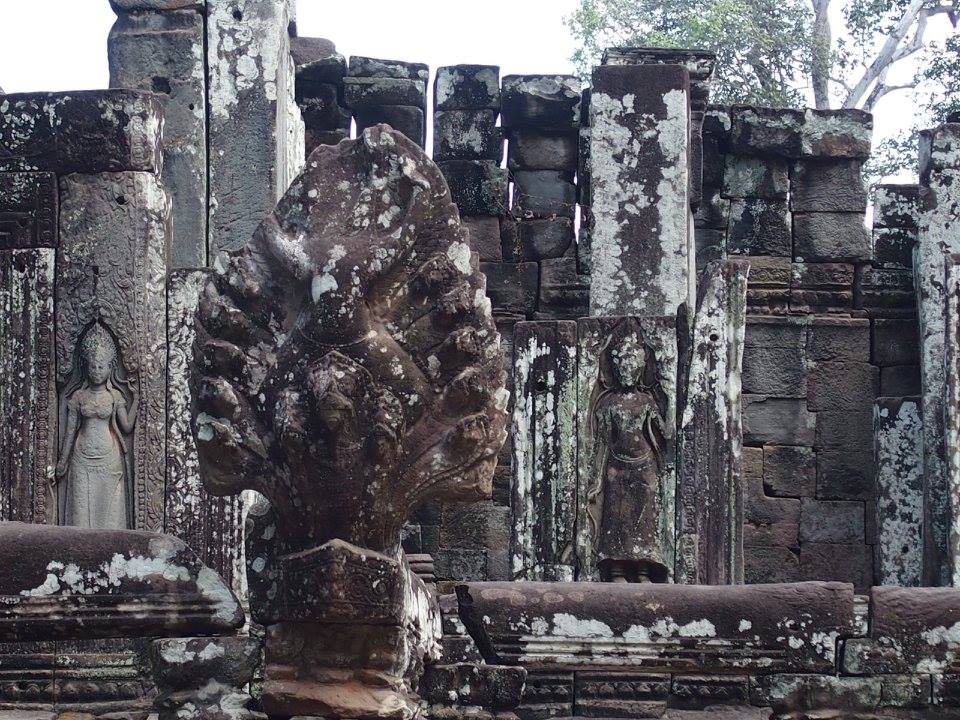 Apsaras-Temples-Angkor-Ta-Prohm-Cambodge