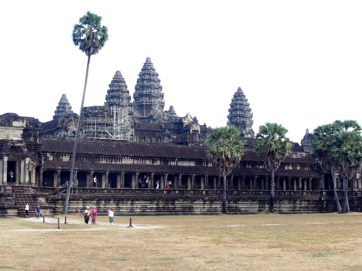 Arrivée par le parc des temples d'Angkor Vat Cambodge