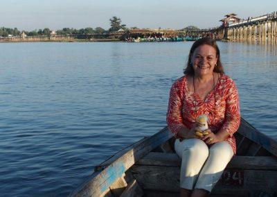 En barque devant pont U-Bein Birmanie