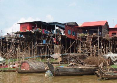 Maisons sur pilotis Lac de Tonle Sap Cambodge