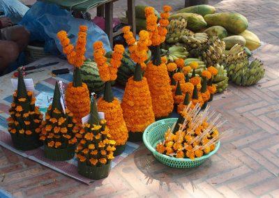 Offrandes de marigold Laos