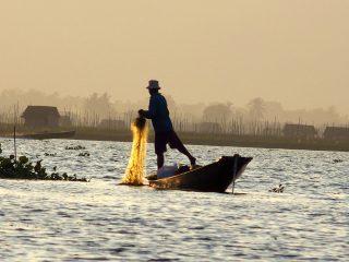 Une vie intense sur le lac Inle en Birmanie