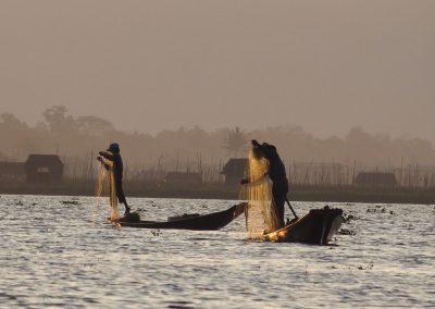 Pêcheurs sur lac Inle Birmanie