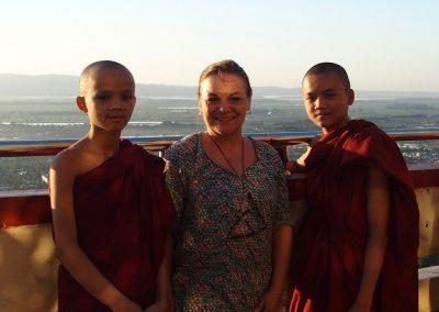 Rencontre avec deux jeunes moines Birmanie