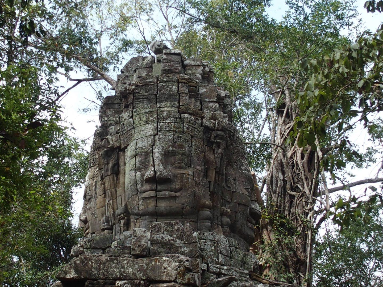 Statue temple Bayon Angkor Cambodge