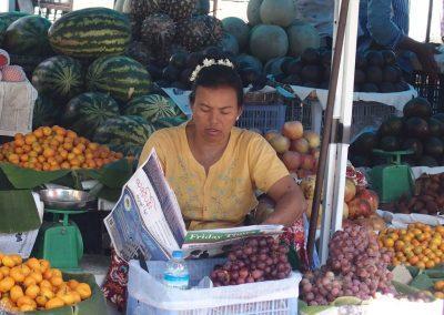 Vendeuse fruits marché Birmanie