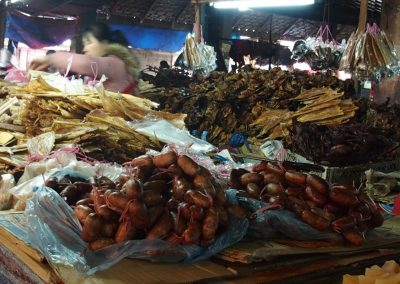 Femme au marché Cambodge