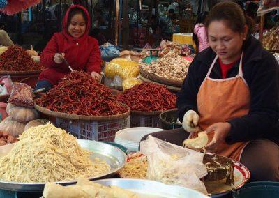 Femmes marchés Cambodge
