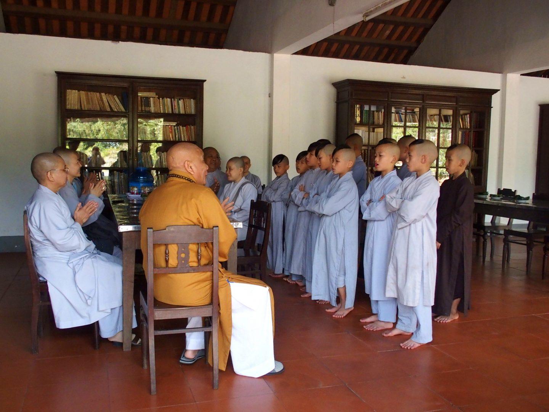 Chorale novices monastère Hué Vietnam