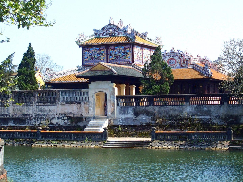 Entrée latérale jardin Citadelle Hué Vietnam