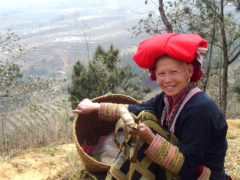 Femme guide Dao Ta Phin Vietnam