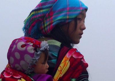 Mère et enfant Hmong Sapa Vietnam