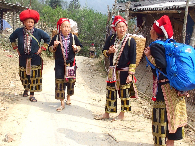 Mes accompagnatrices ethnie Dao Ta Phin Vietnam