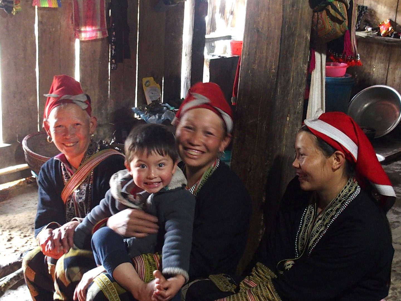 Moment complice femmes Ta Phin Vietnam