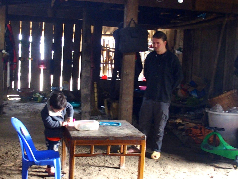 Olivier et Anatole dans maison Ta Phin Vietnam