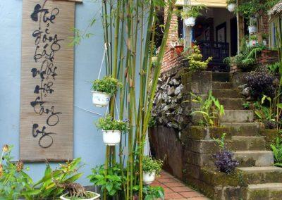 Petit coin de jardin Thien Mu Hué Vietnam