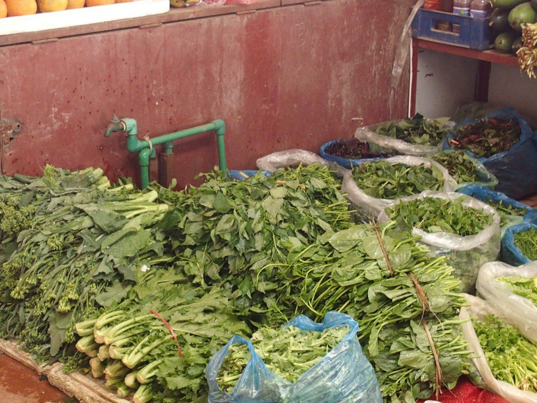 Stand salades marché Sapa Vietnam