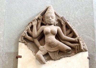 Statue danseuse art cham musée Danang Vietnam