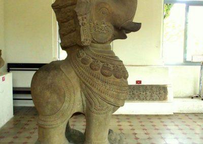 Statue éléphant art cham Danang Vietnam