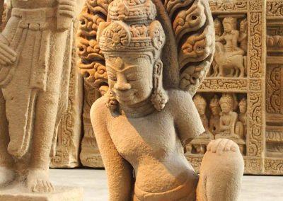 Statue femme art cham musée Danang Vietnam