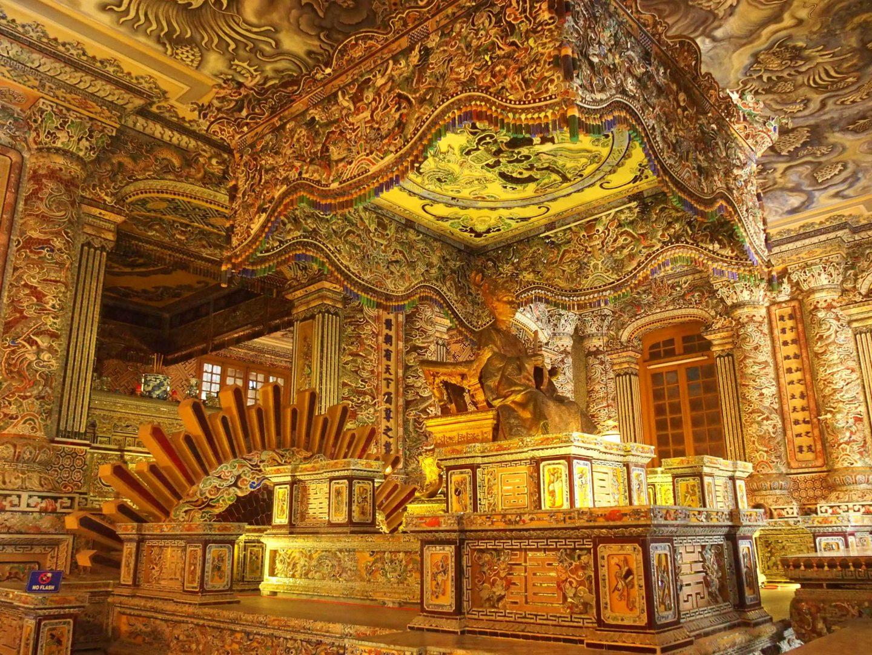 tombeau royal mausolée Khai Dinh Hué Vietnam
