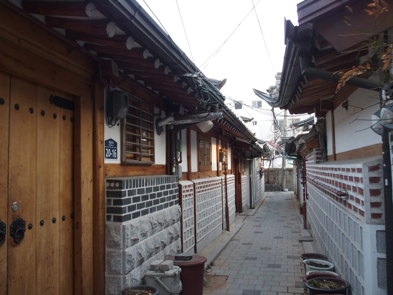 Ruelle entre hanoks Seoul Corée du sud