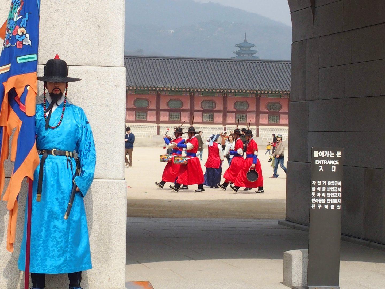 Tambours de la garde Palais royal Seoul Corée du sud