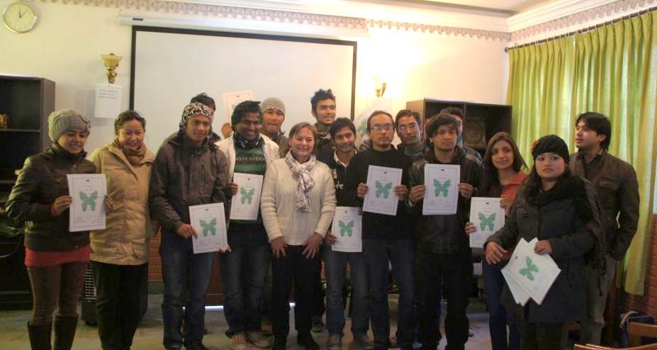 Entourée de mes élèves WCN Kathmandou Nepal
