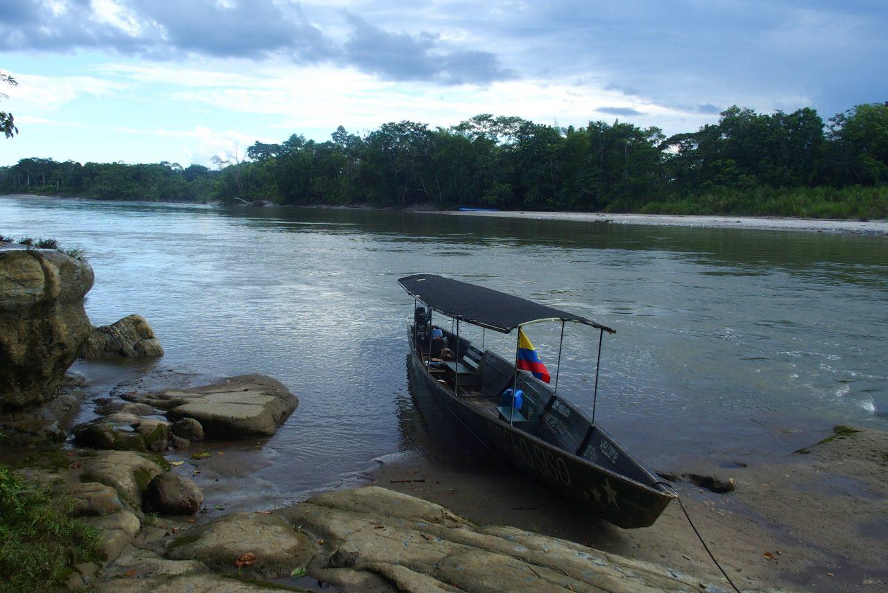 Pirogue qui me conduit à mon lodge sur le Napo en Amazonie