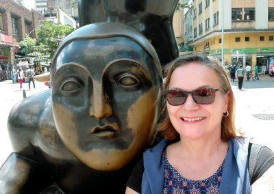 A côté statue Botero Medellin Colombie