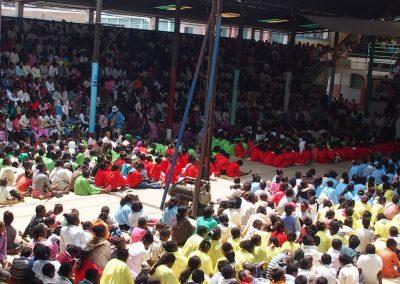 Assistance messe Père Pedro Tananarive Madagascar