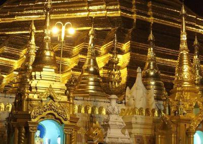 Autour de la pagode Shwedagon Birmanie