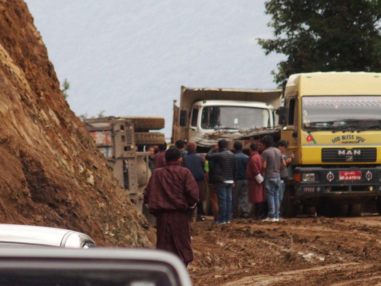 Camion renversé sur route Bhoutan